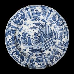 Image – http://hustinxtaxaties.nl/content-image-thumbnail/work-4/delftsblauw-aardewerken-schotel-met-chinoiserie-decor-gemerkt-met-monogram-gk.png